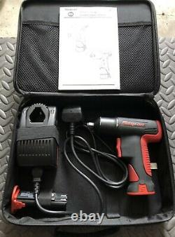 Snap On CTU561 7.2v 1/4 Cordless Impact Gun Wrench Set