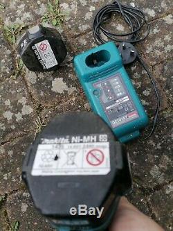 Makita 1/2 Gun Impact Sans Fil Clé 2 Corps D'impact Chargeur De Batterie 14.4v De 2.8ah