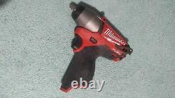 Milwaukee 2454-20 M12 Fuel 3/8 Clé D'impact Avec Clip Ceinture Et Batterie 2.0