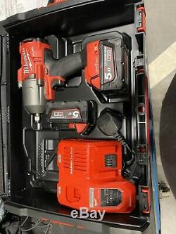 Milwaukee Carburant M18 1/2 Gun Impact Clé 2x 5.0ah Batteries Plus Chargeur, Étui