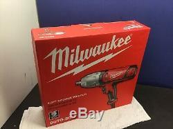 Milwaukee Pistolet À Clé À Chocs 907020 De 1/2 Po Avec Douille À Goupille D'arrêt