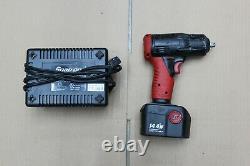 Nice Snap On Ct4410 14.4v 3/8 Pistolet À Clé D'impact Sans Fil Avec Batterie Et Chargeur