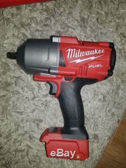 Pistolet Cloueur Milwaukee Batterie 1/2 Clé 5 Chargeur Ah Cashe Dewalt Pas Makita